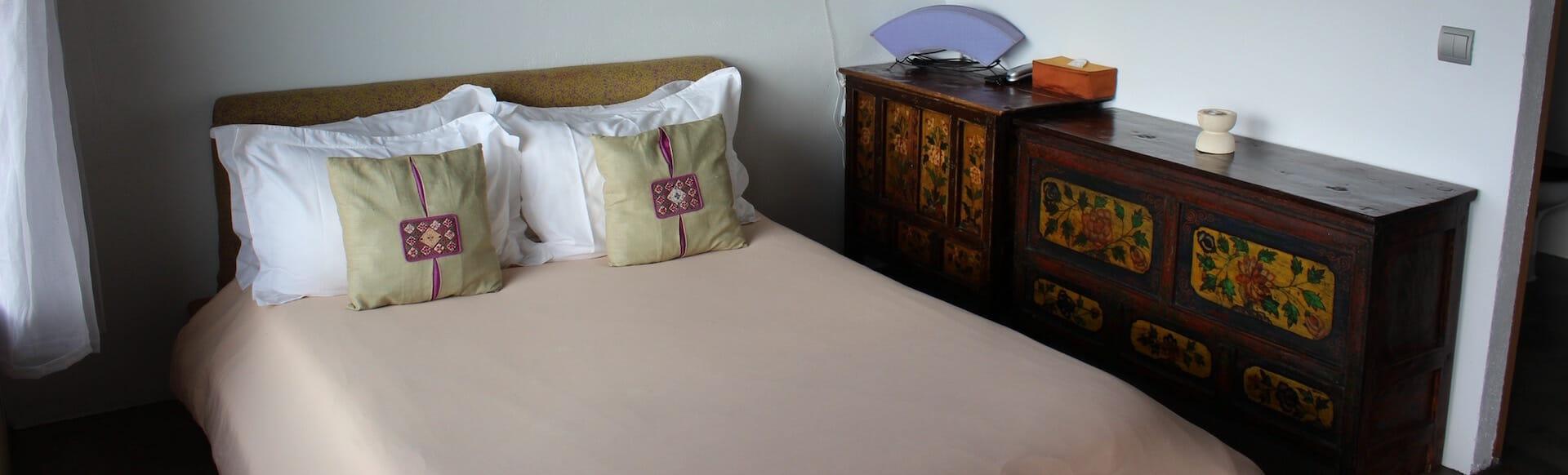 Habitación mediana - cama